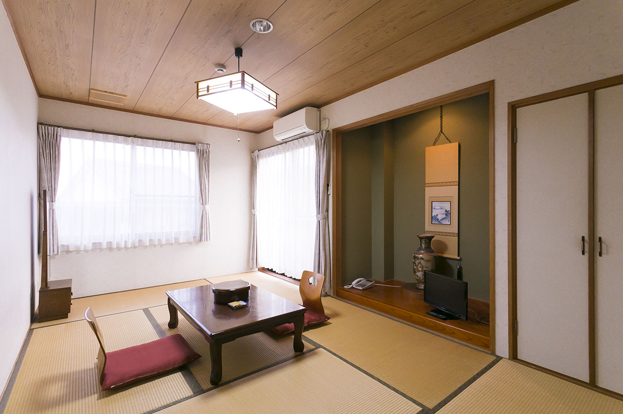 山屋旅館・和室
